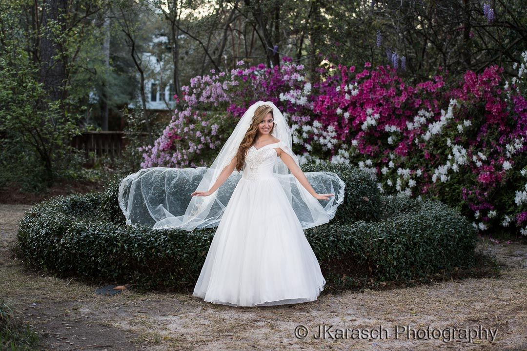 Beautiul Bride at Rose Hill Estate